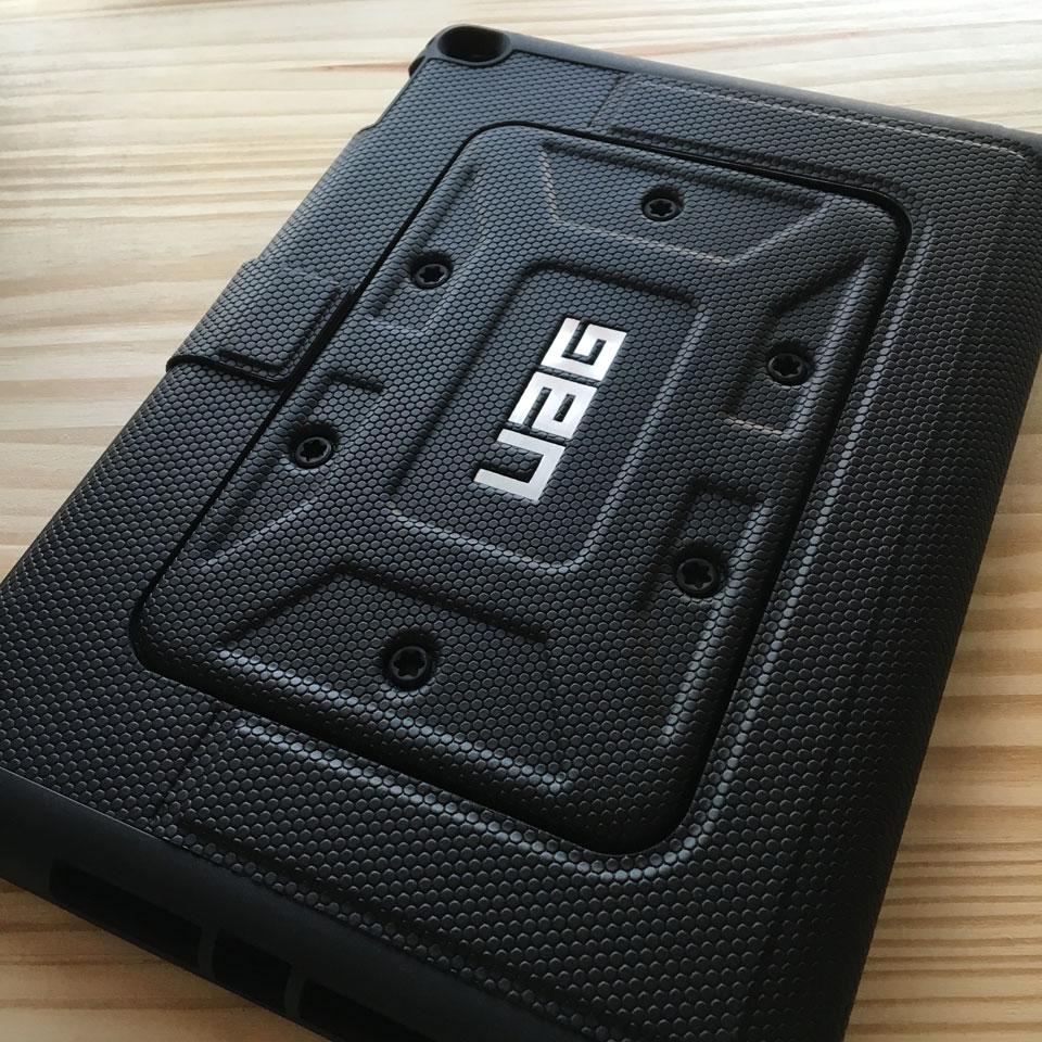 iPad Air 2 UAG 衝撃吸収ケース装着