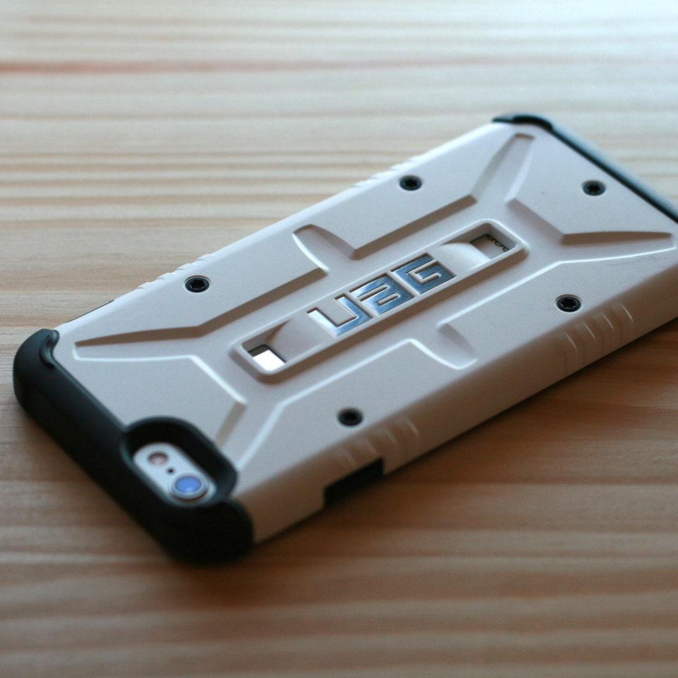 iPhone6S UAG 衝撃吸収ケース装着